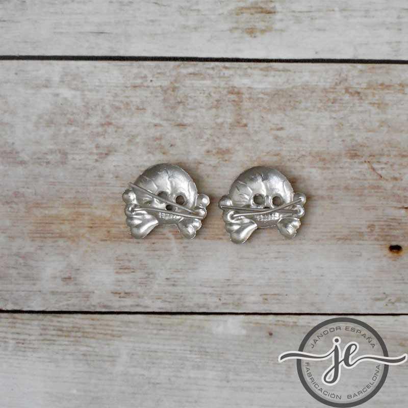 Panzer metal collar tab skulls