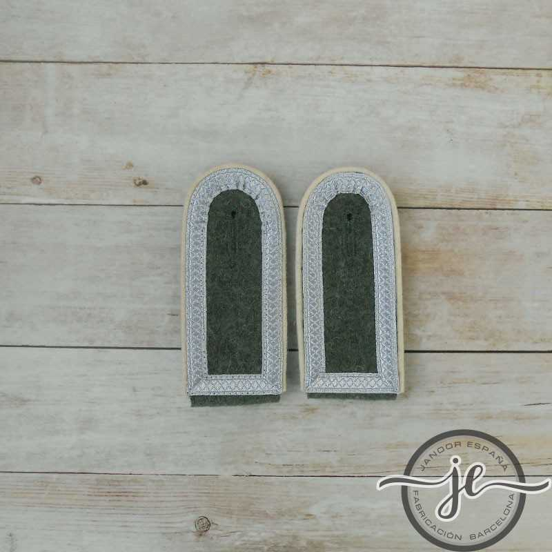 M40 Shoulder boards for Unterfeldwebel Wehrmacht
