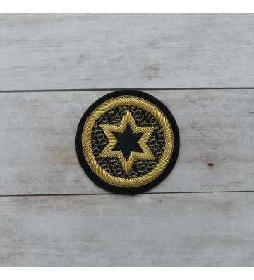 Embroidered star in gold string length