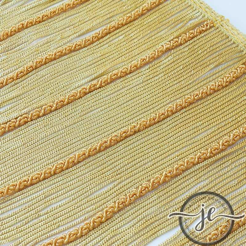 Fleco de canutillo de oro con gusanillo