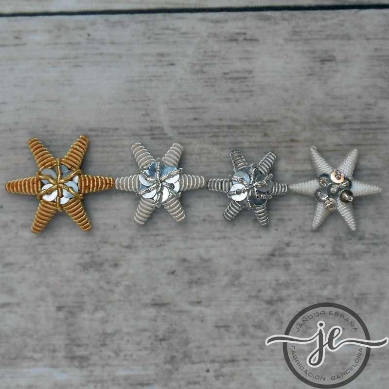 Estrella bordada en canutillo de oro