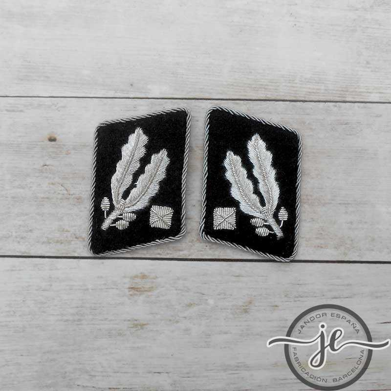 Standartenführer-SS's wire collar patches