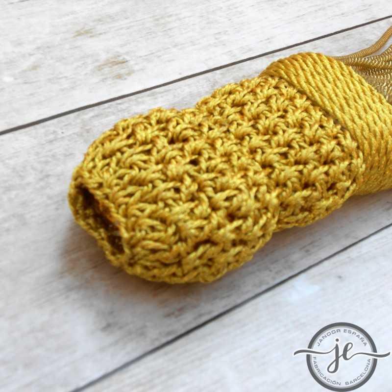 Borla dorada torcidode con fleco de Canutillo 15 cm