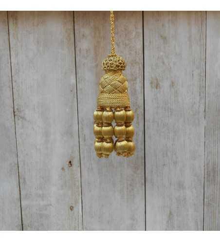 Borla dorada con fleco de bellota de 10 cm