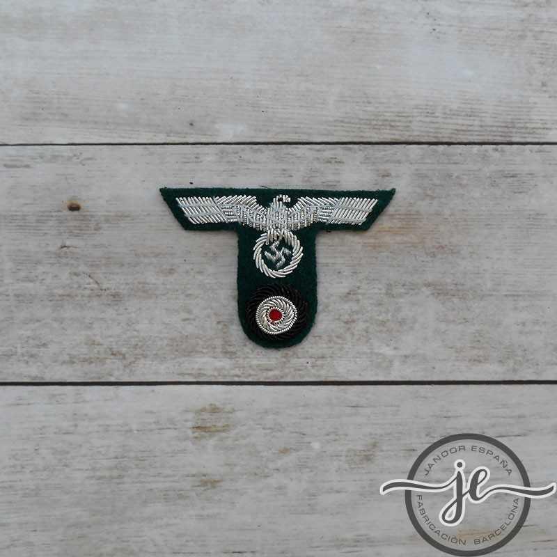 Águila de gorra de tropas de montaña, Oficiales